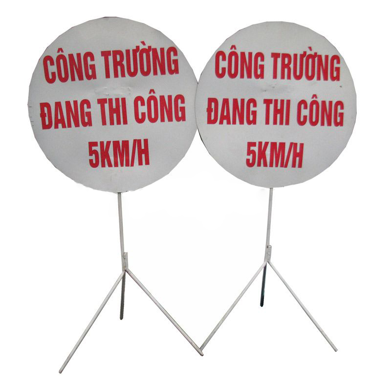 bien-canh-bao-an-toan-cong-truong-dang-thi-cong